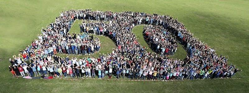 50-Jahr-Feier-Schulfoto
